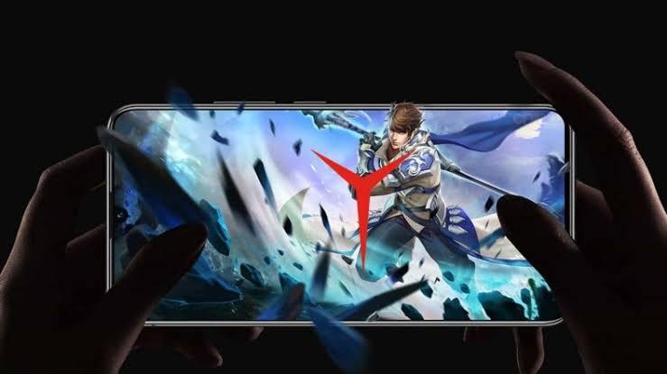 Lenovo, Oyunculara Özel Yeni Bir Oyuncu Telefonu Geliştiriyor